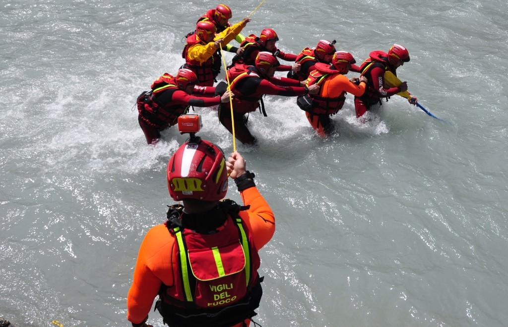 soccorso fluviale vigili fuoco e1433253449484